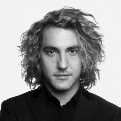 Workshops Graduate Seann Walsh Presents